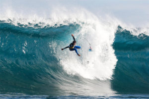 Study Shows Most Of Surfing Injuries Involve Knee Or Shoulder