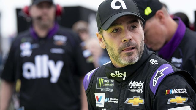 Jimmie Johnson begins final NASCAR season with Busch Clash at Daytona