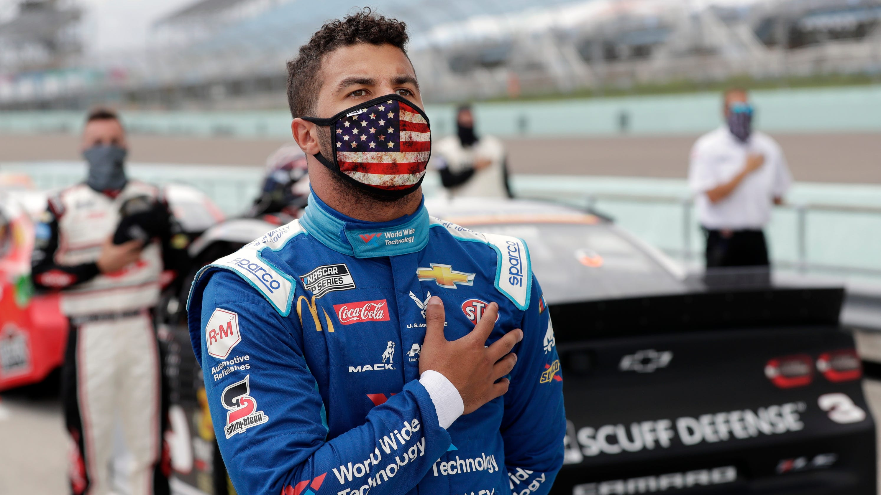Bubba Wallace reacts to FBI investigation: 'It's a straight-up noose'