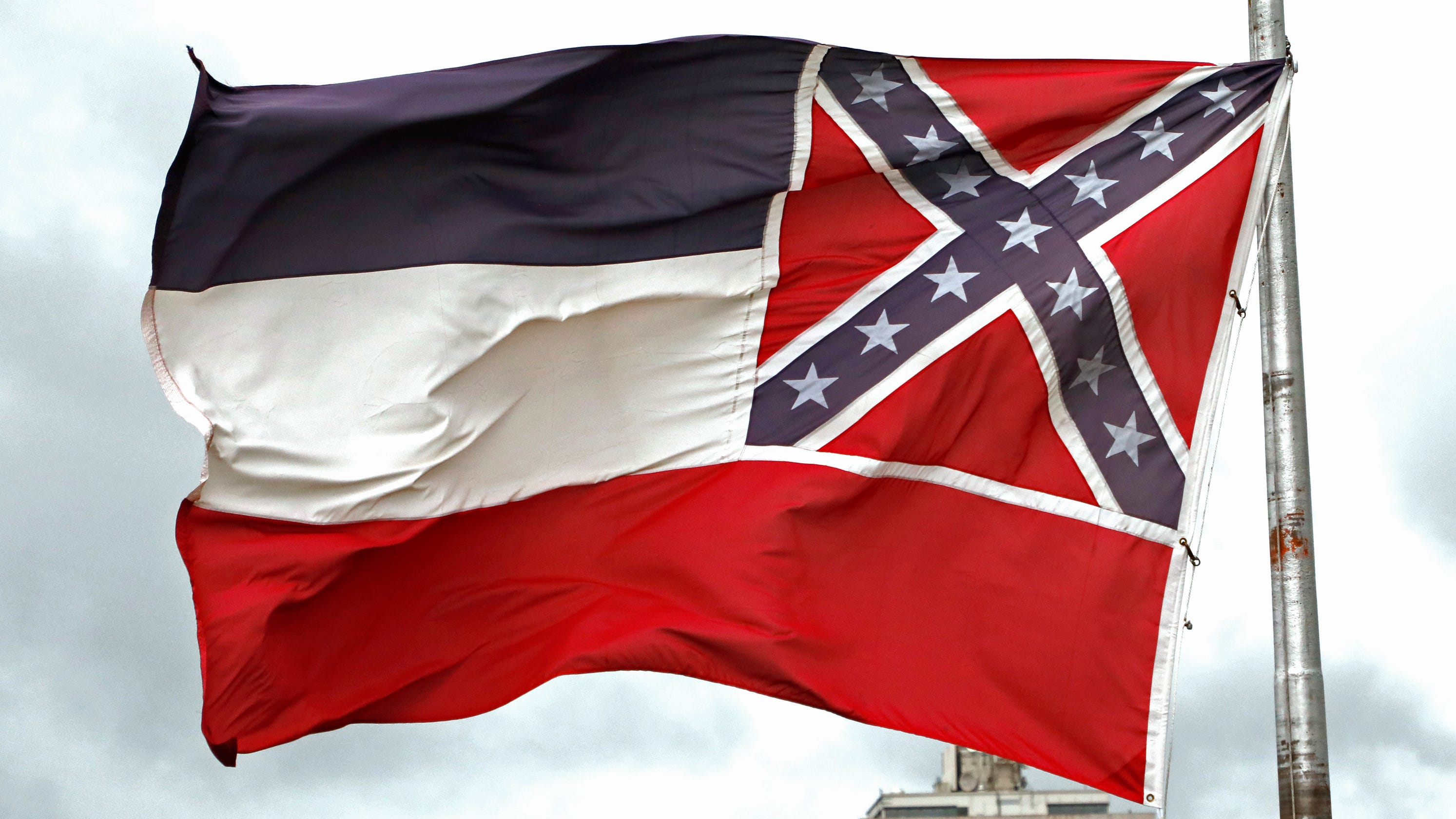 Ole Miss basketball player transferring: 'Proud not to represent that flag anymore,' be associated with Confederacy