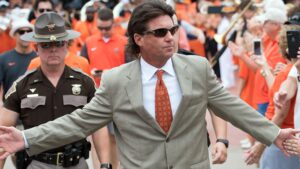 Mike Gundy's Oklahoma State football deal cut by $1 million, one year