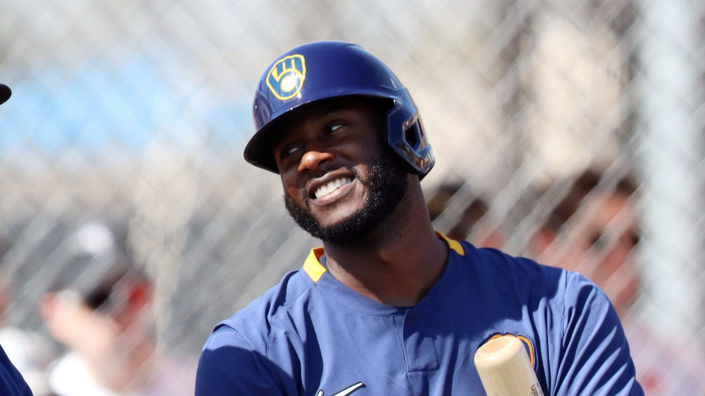 Brewers outfielder opts out of season after five games