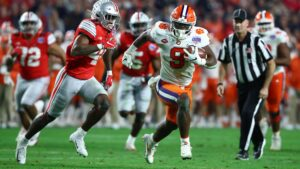 Clemson leads Ohio State, Alabama in preseason ranking