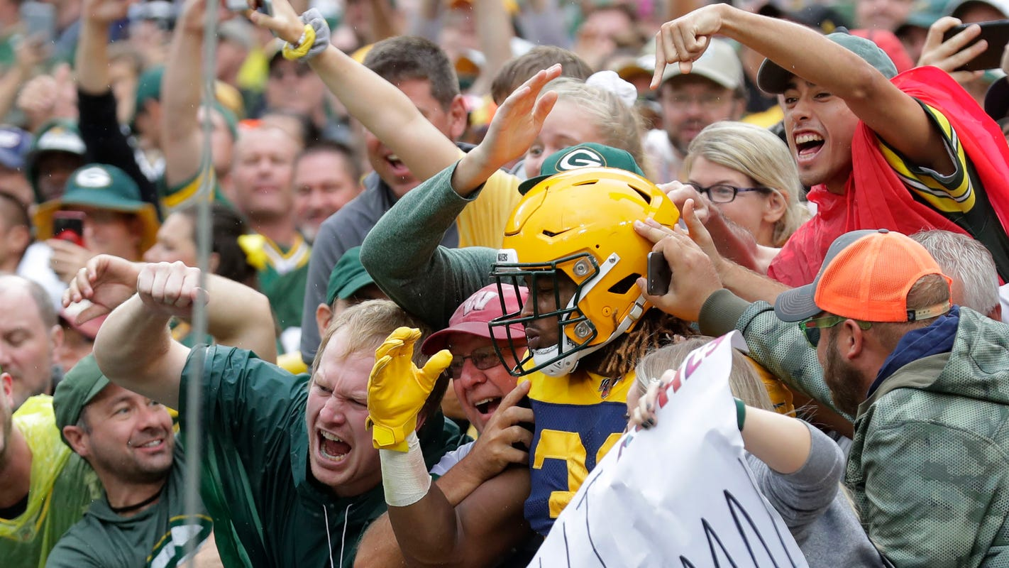 Green Bay Packers' first two games at Lambeau Field will have no fans