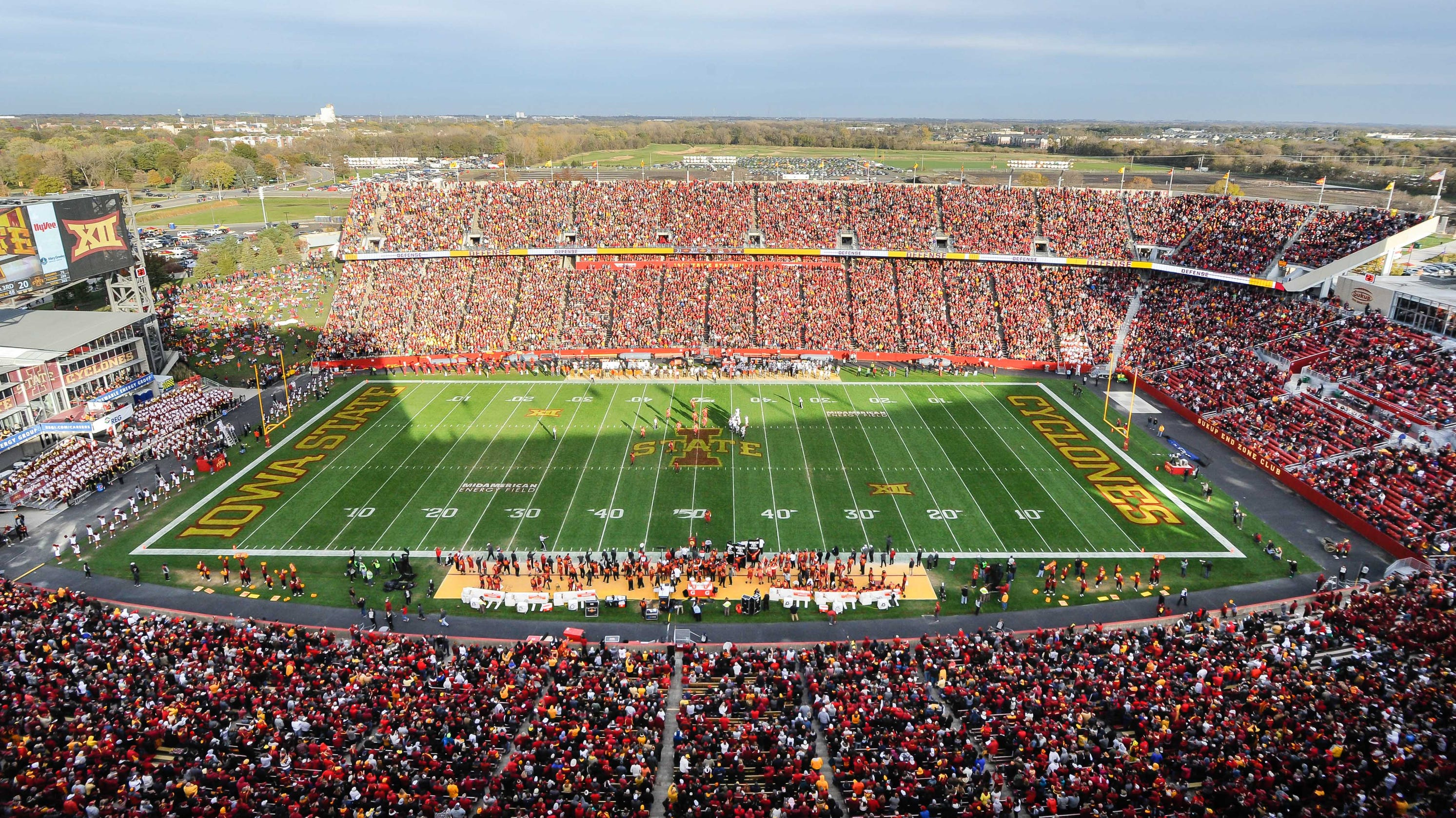 Iowa State planning to host 25,000 football fans as COVID-19 surges