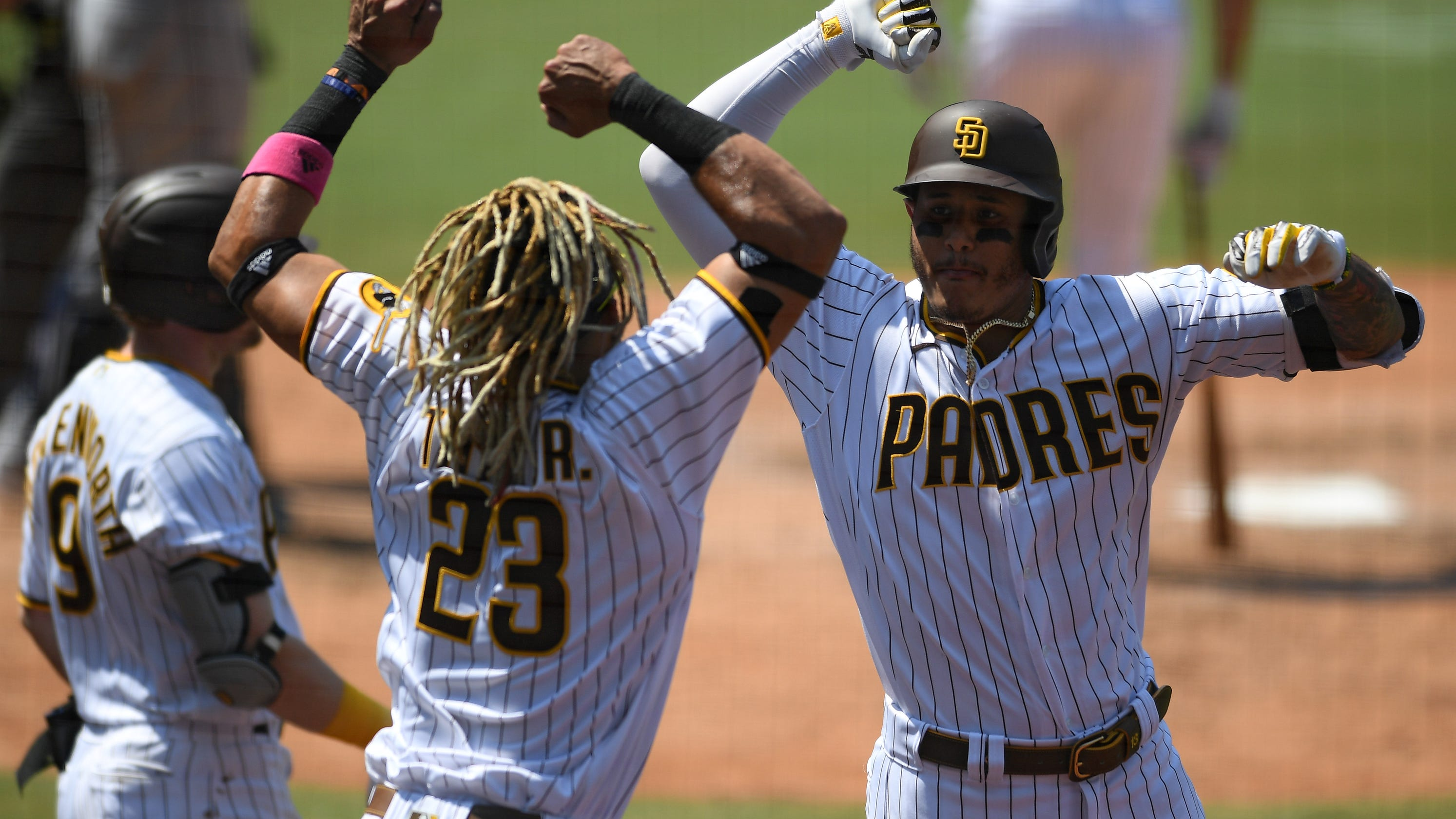 Padres' Mike Clevinger deal has San Diego flying