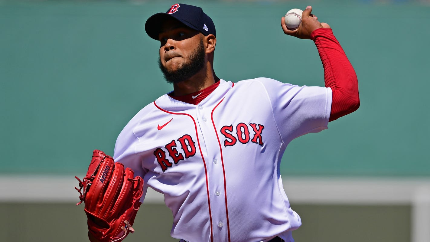 Red Sox pitcher Eduardo Rodriguez out for the season with post-COVID-19 heart condition
