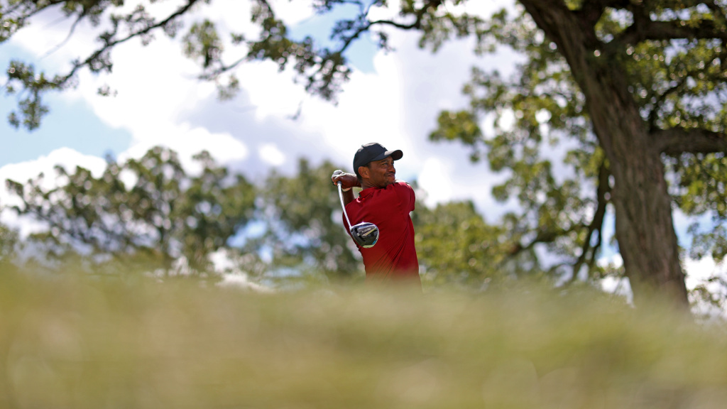 Season ends for Tiger Woods at BMW Championship