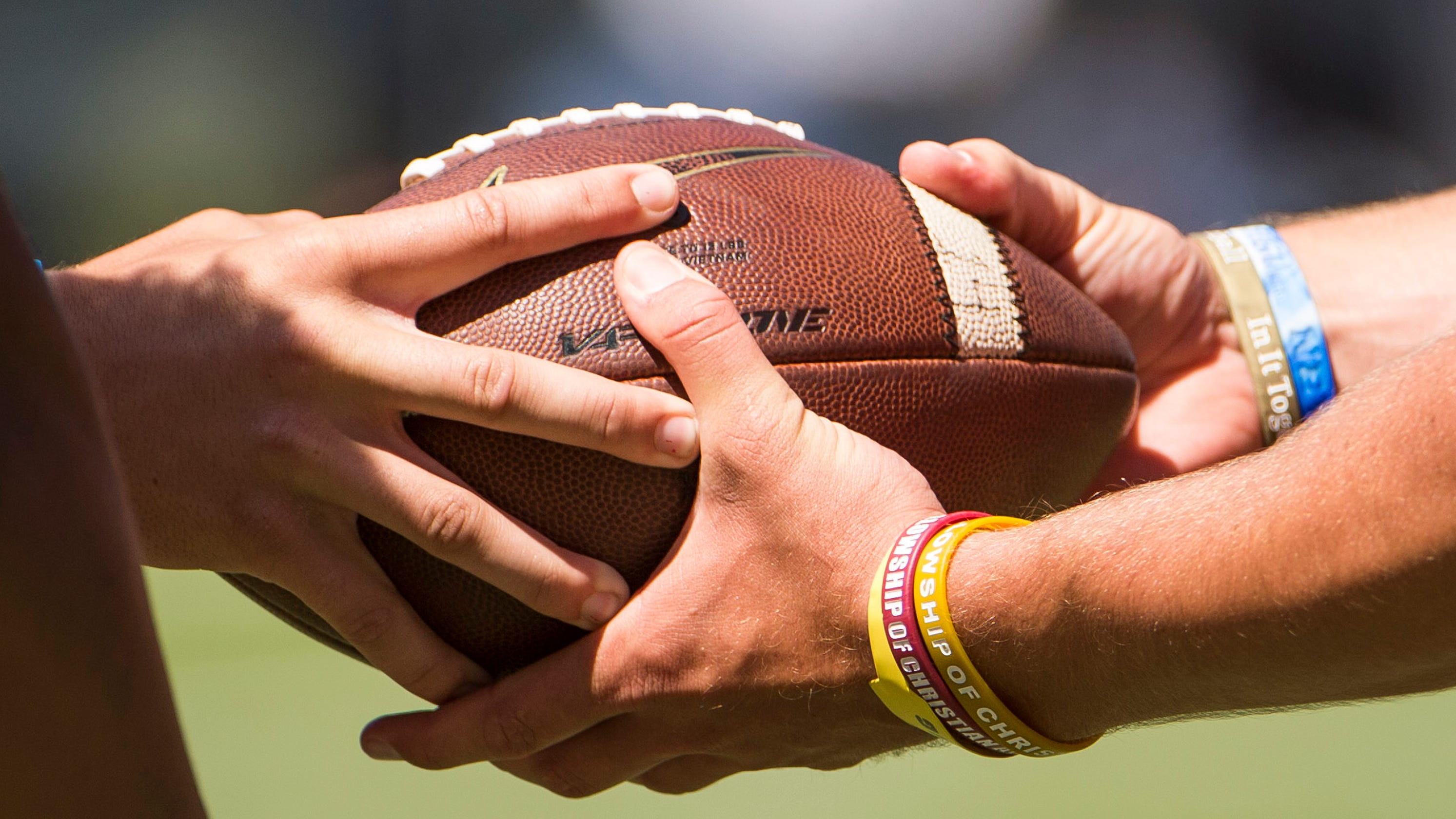 Alabama high school football team has nine laterals on final play for game-winning TD