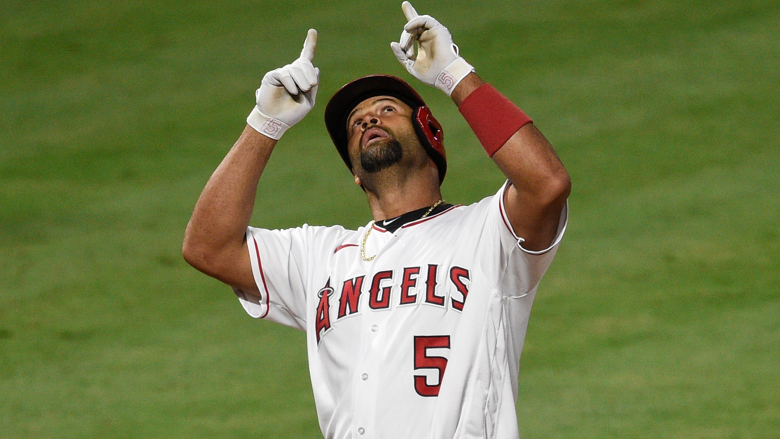 Albert Pujols hits career home run No. 661, passes Willie Mays for fifth place on all-time list