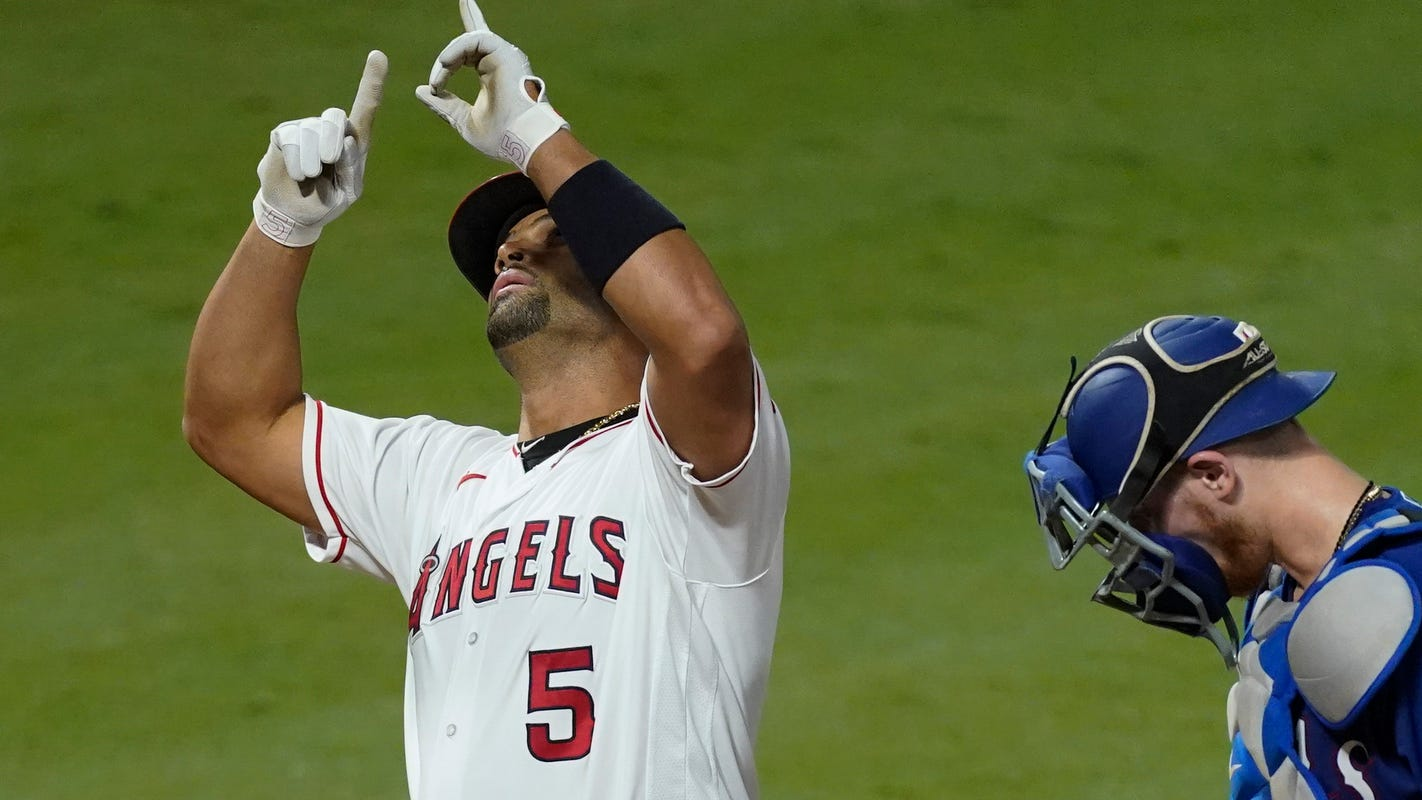 Albert Pujols hits career home runs No. 661 and 662, passes Willie Mays for fifth place on all-time list