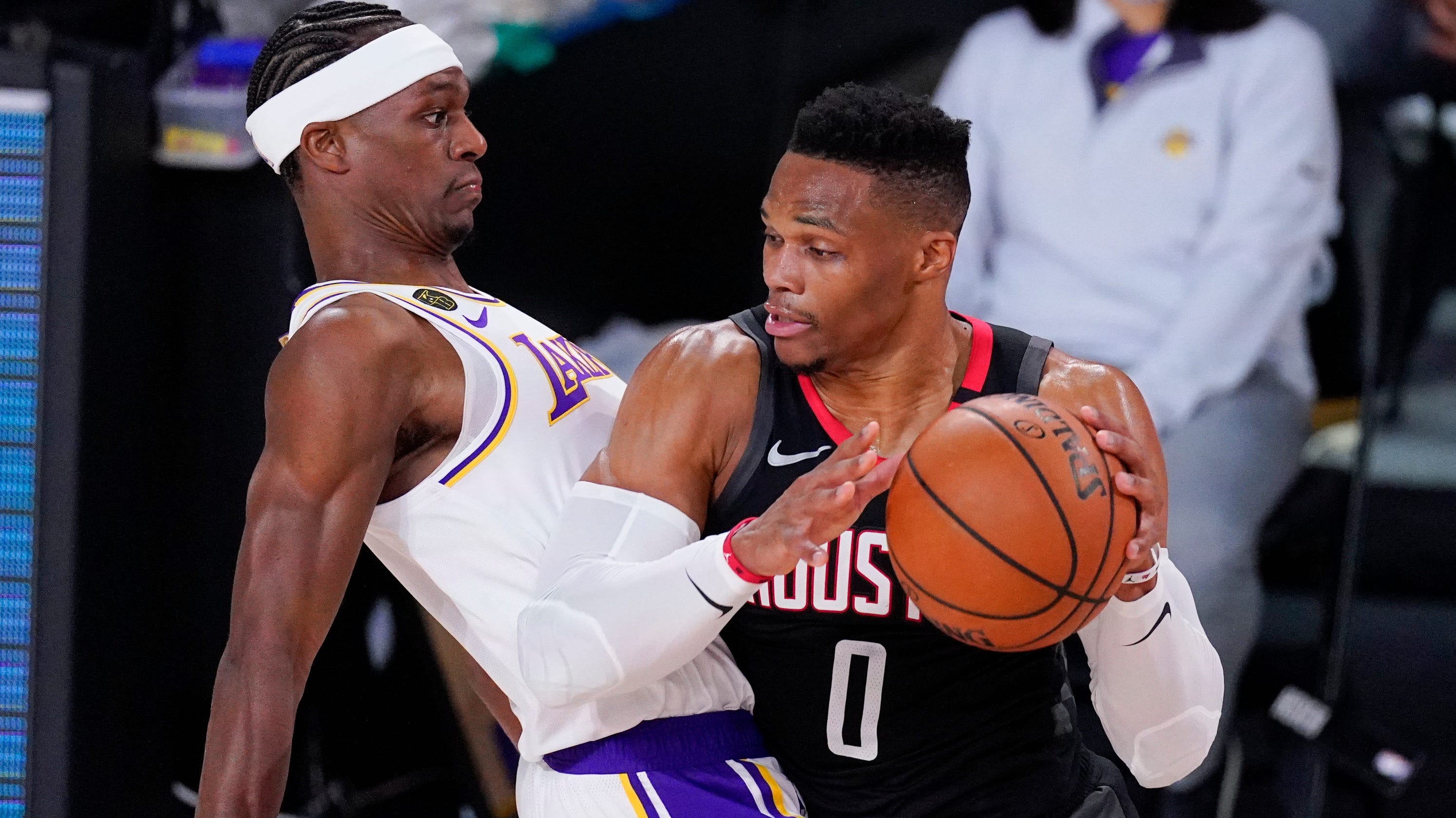 Brother of Rajon Rondo ejected from Lakers-Rockets game for jawing with Russell Westbrook