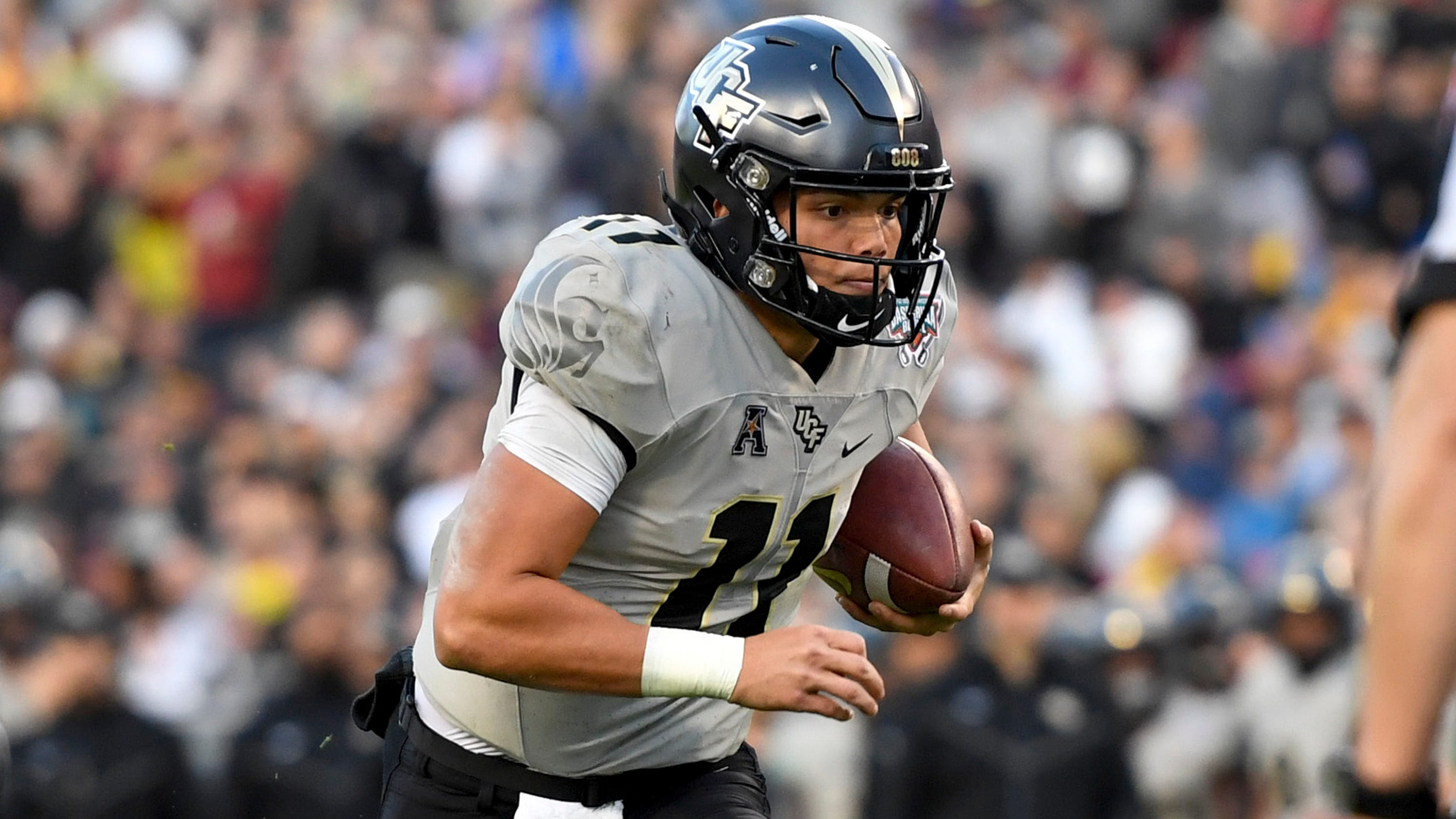 College football winners and losers led by UCF, Clemson, Notre Dame