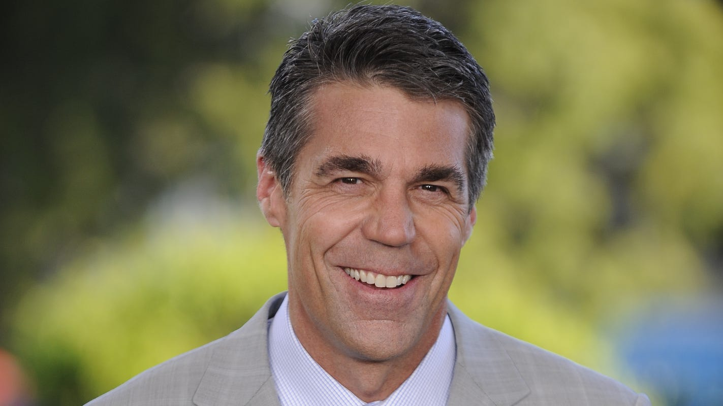 ESPN's Chris Fowler busy hosting US Open, pro and college football