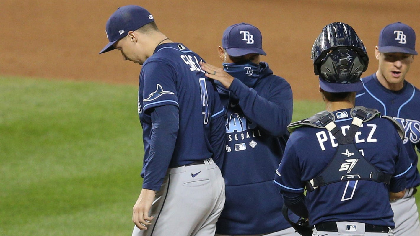 Expanded MLB playoffs create quandary for managers: Fewer days off
