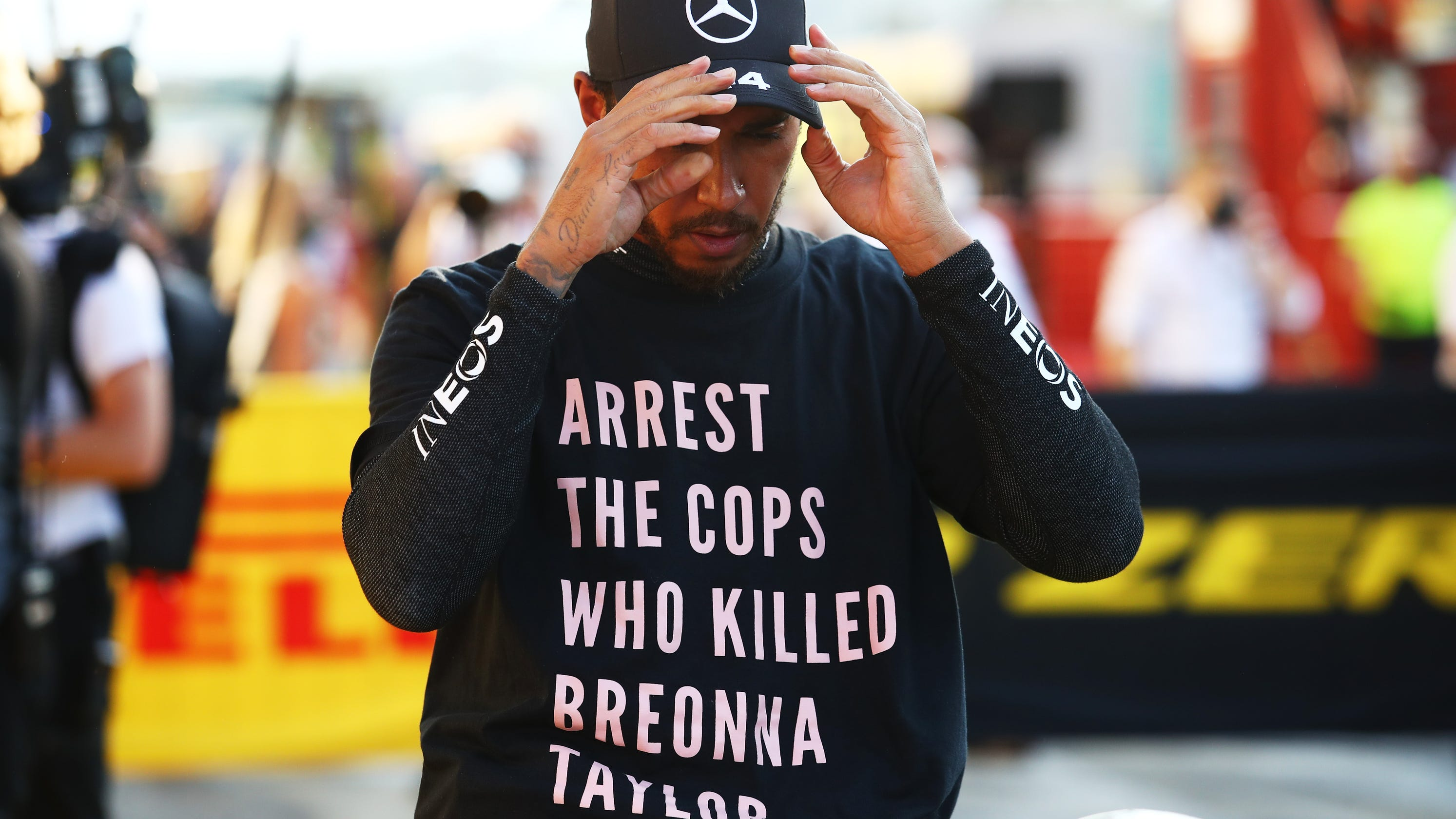 Formula 1 driver Lewis Hamilton wears shirt calling for arrest of cops who shot Breonna Taylor