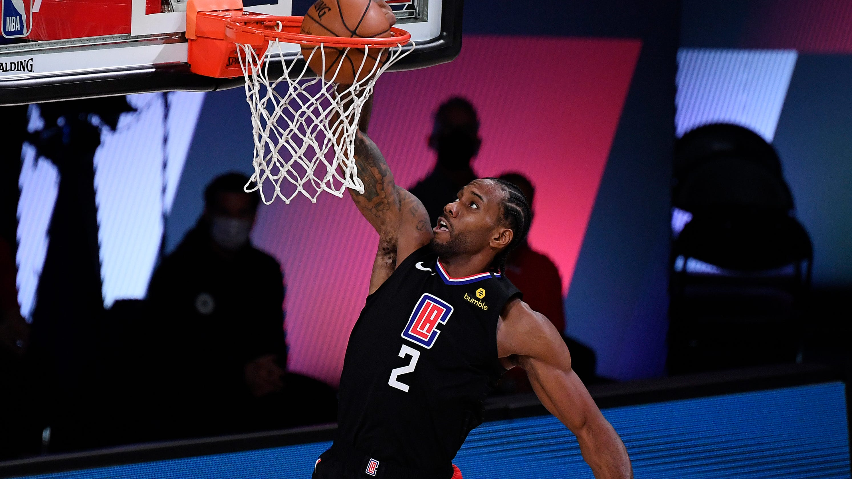 Kawhi Leonard, Clippers crush Nuggets in Game 1 to set early tone for series