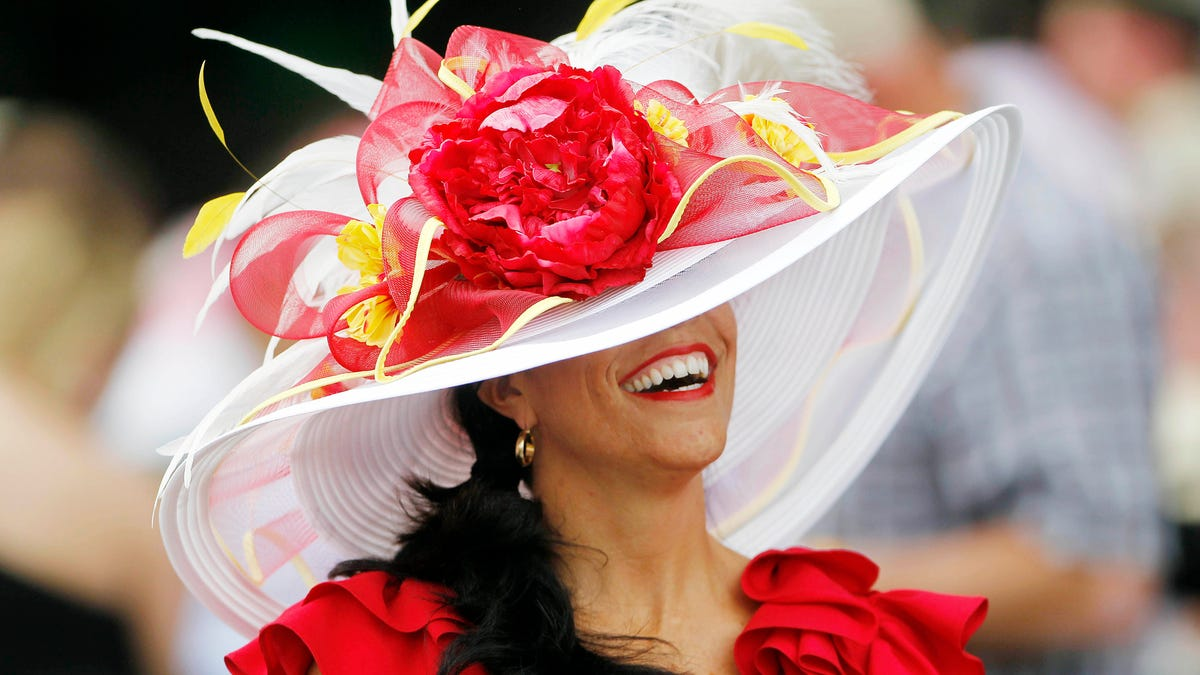 Kentucky Derby: Best, wackiest hats at the Run for the Roses