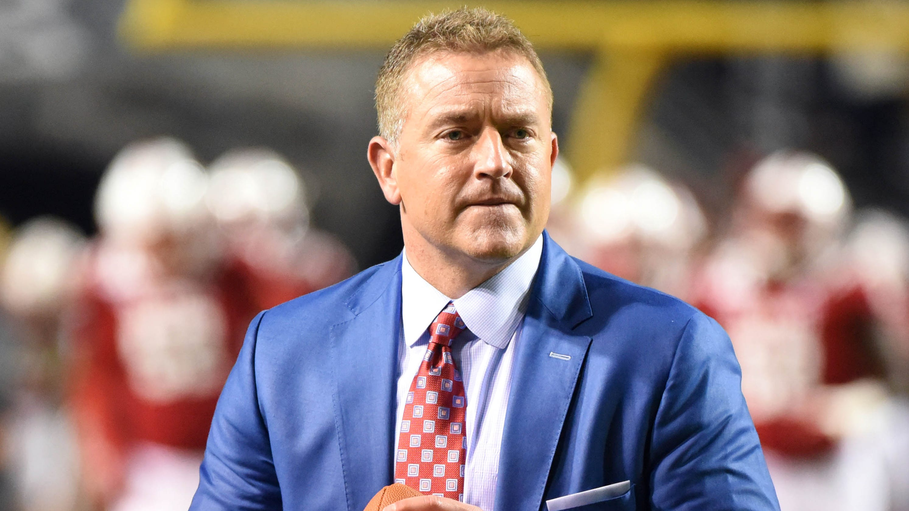 Kirk Herbstreit breaks down in tears during emotional message on racial injustice