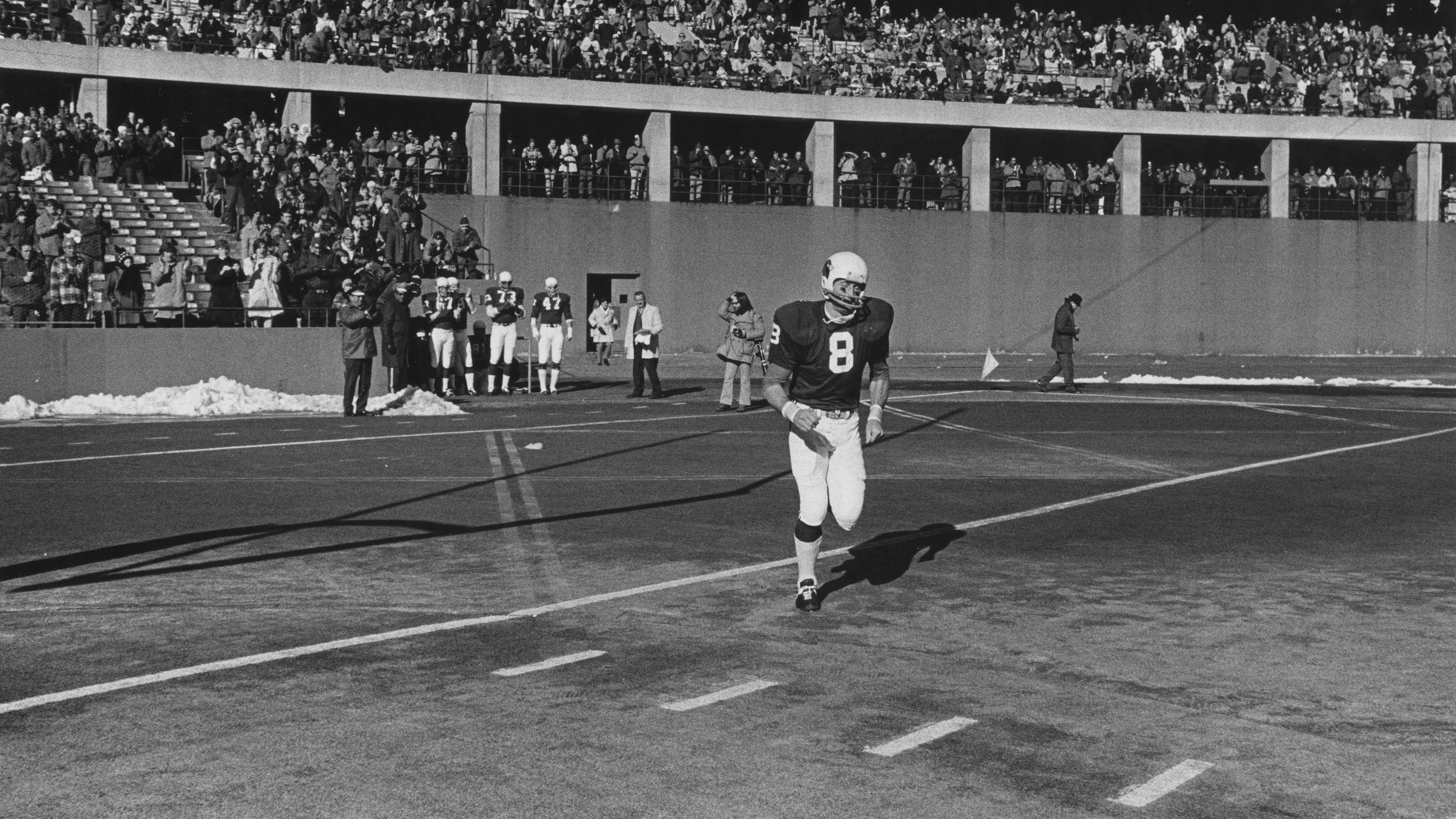 Larry Wilson, Cardinals' icon and NFL all-time great, dies at 82