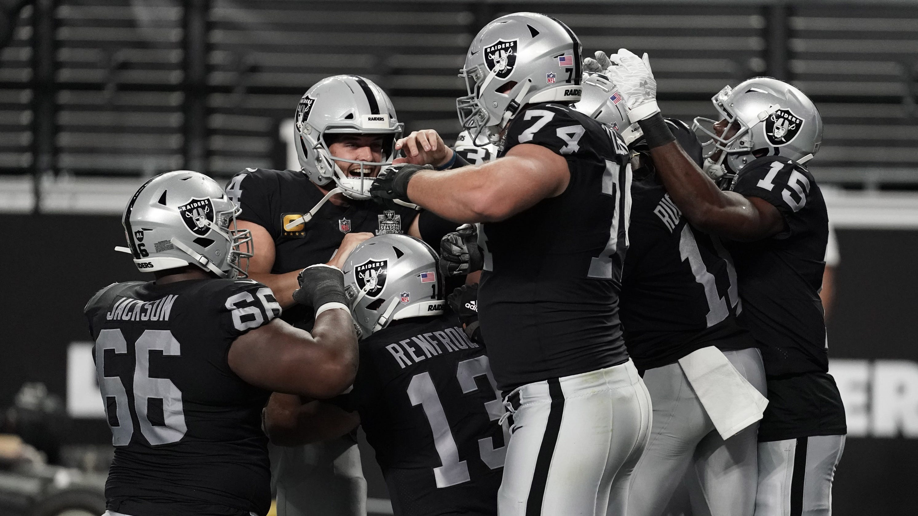 Las Vegas Raiders open new stadium with statement win over Saints