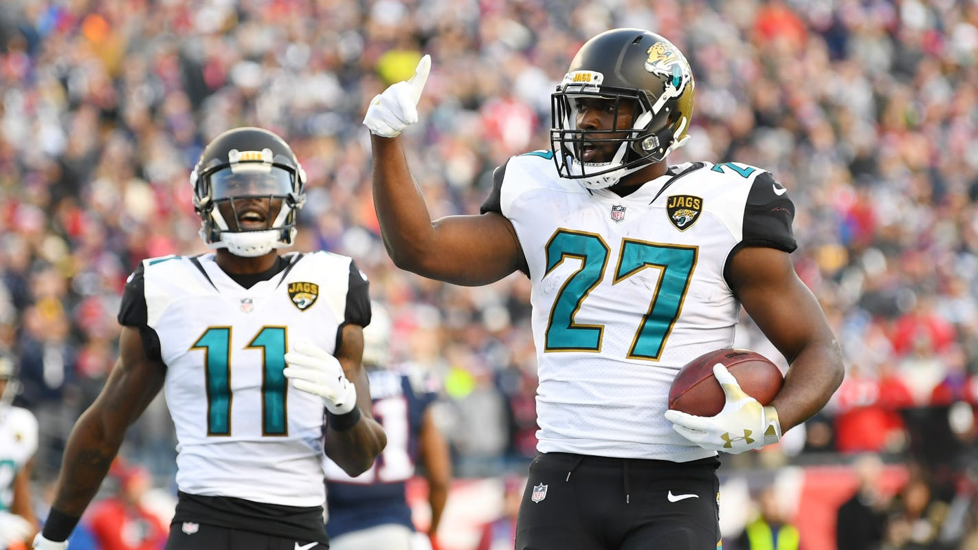 Leonard Fournette joins Tampa Bay Buccaneers on one-year contract, per reports