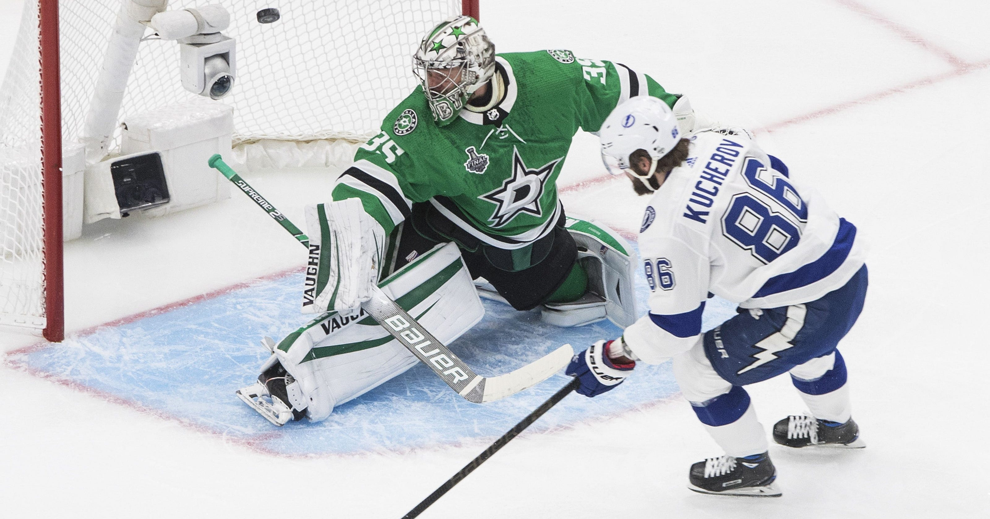 Lightning overpower Stars in Game 3