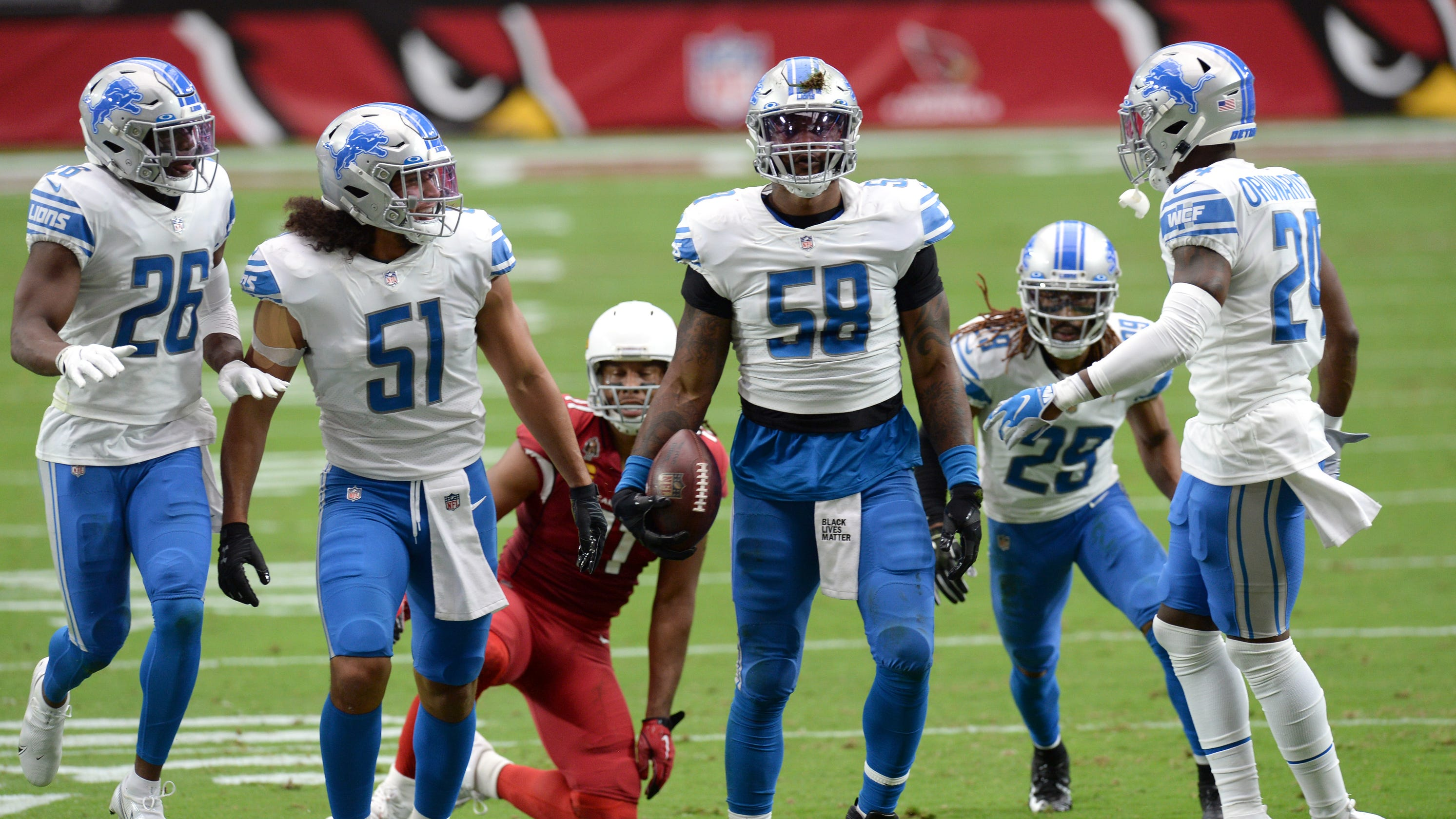 Lions snap 11-game losing streak by booting Cardinals on last-second field goal