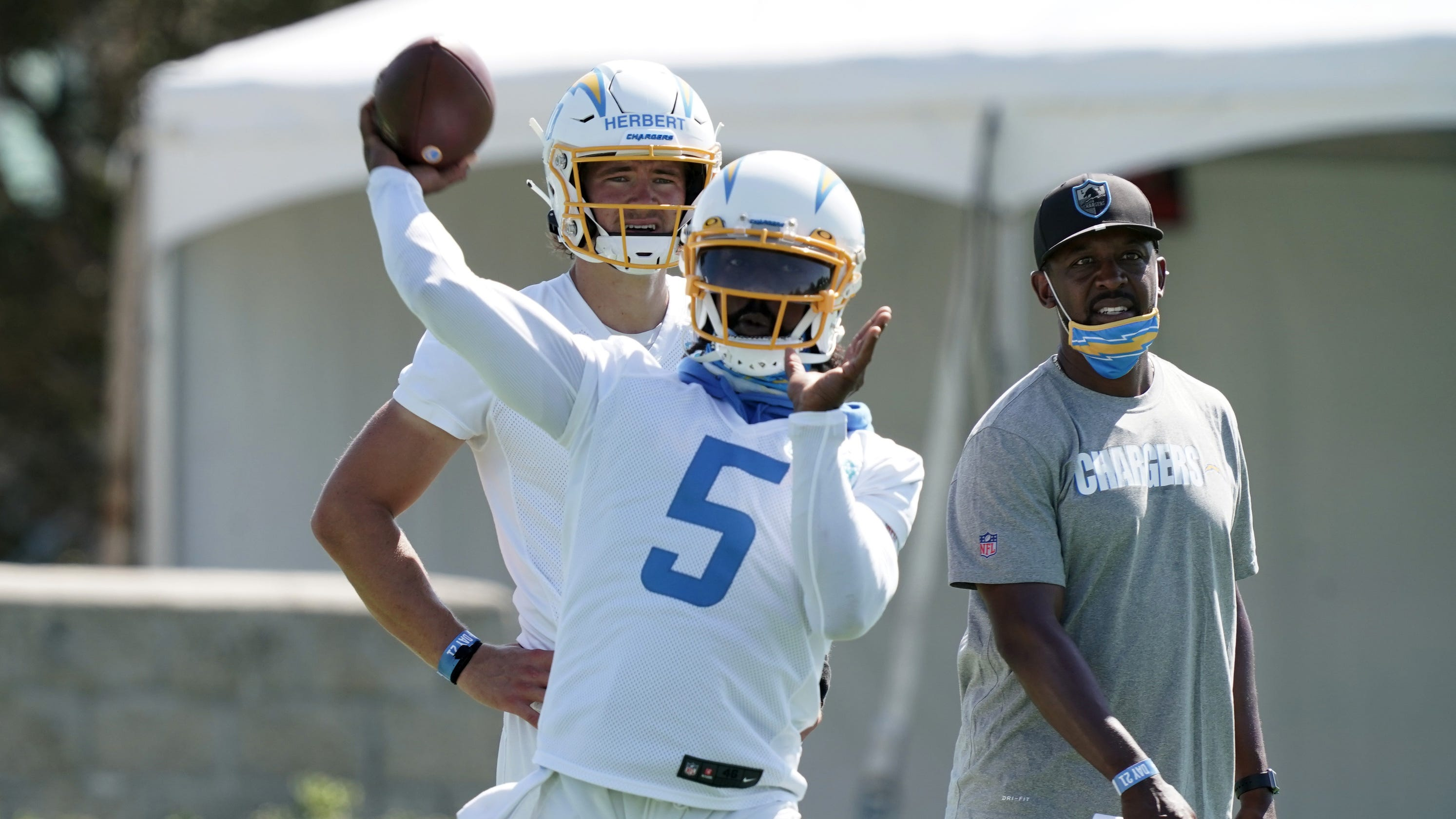 Los Angeles Chargers pick Tyrod Taylor to start at QB ahead of first-round rookie Justin Herbert