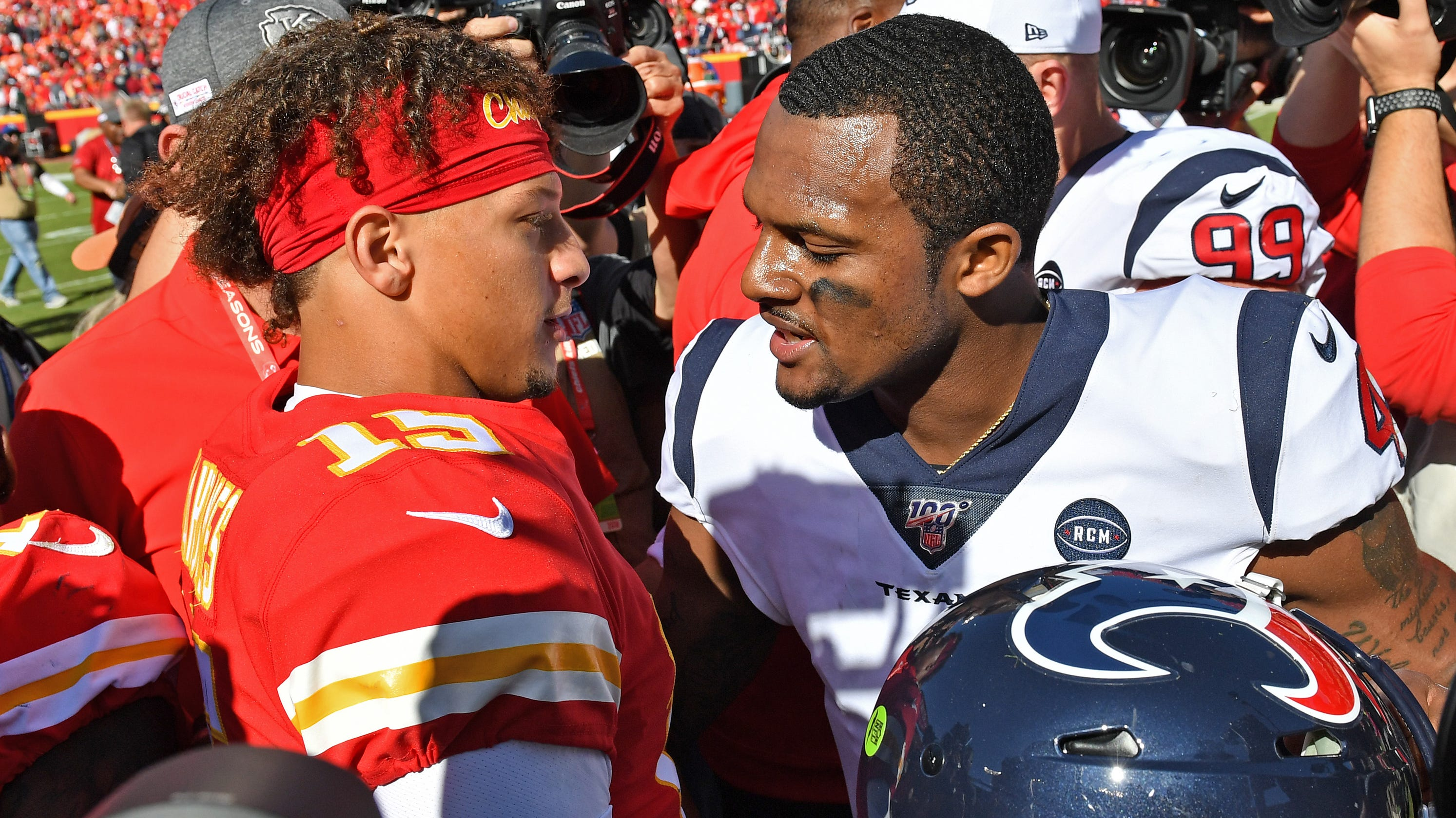 NFL stars Patrick Mahomes, Deshaun Watson are intertwined in many ways