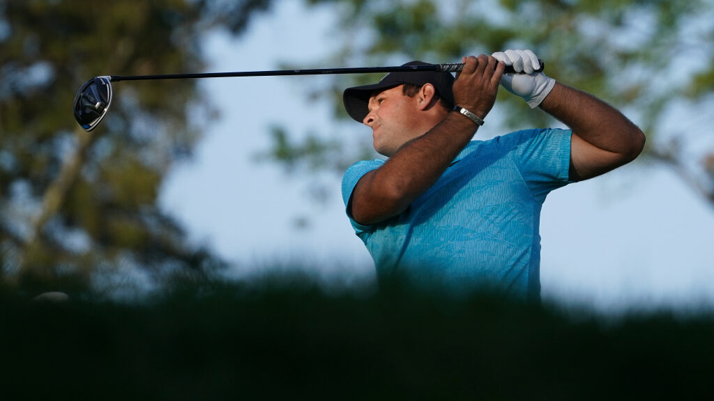 Patrick Reed holds it together for lead at Winged Foot