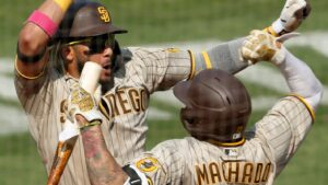 Playoff-bound Padres have San Diego going wild