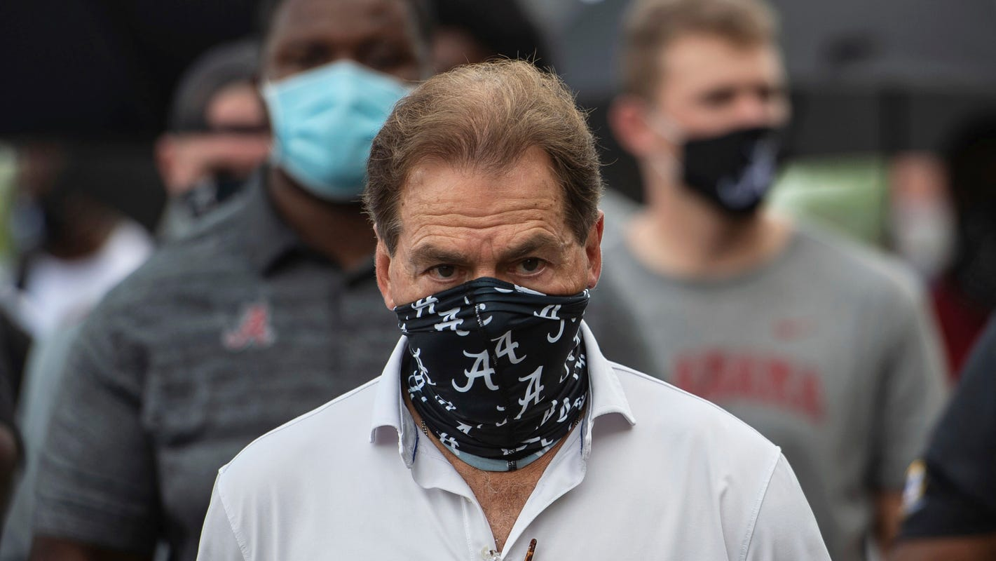 SEC football coaches should put these fun messages on their masks