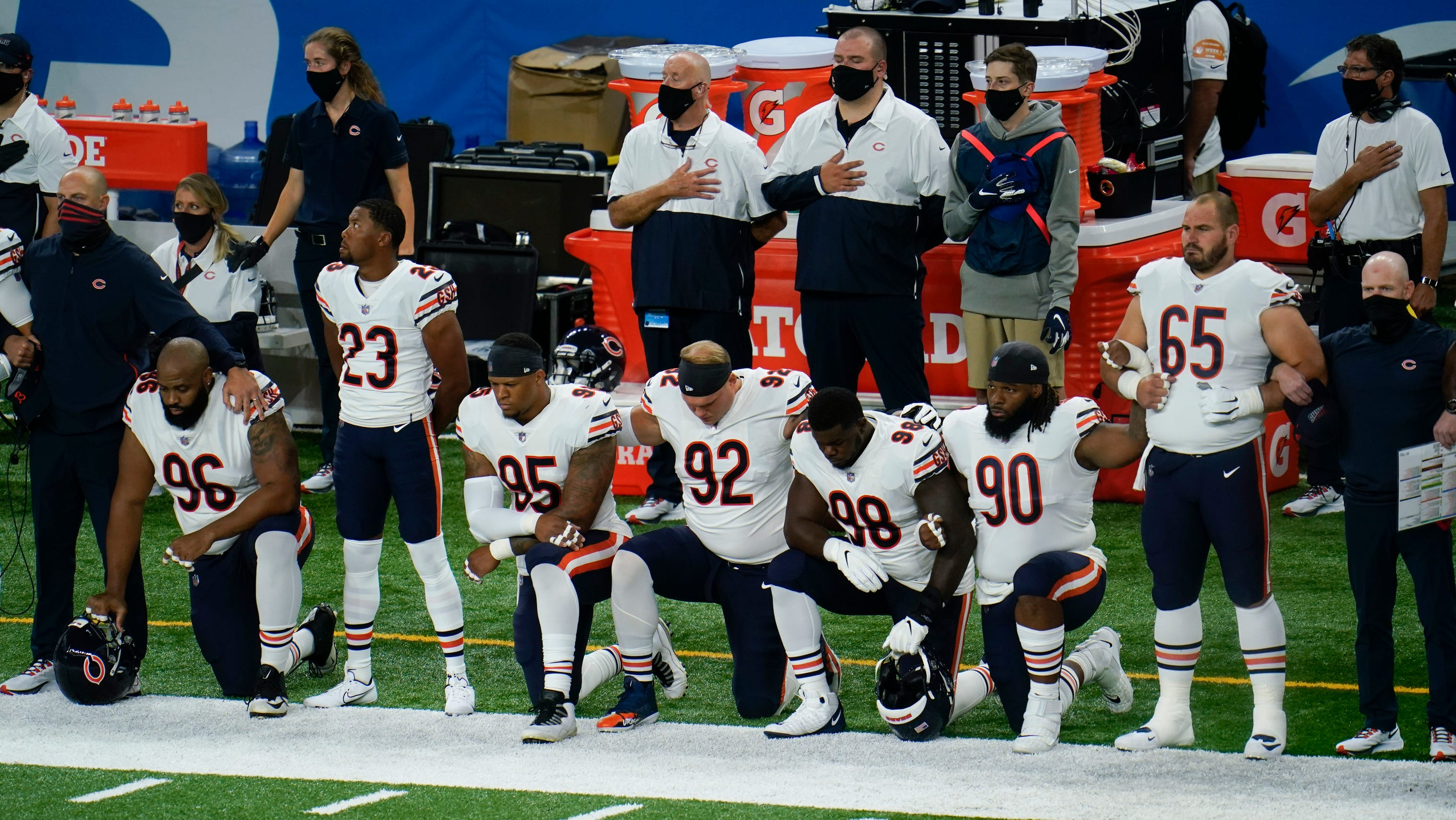 Several NFL teams remain in locker room, some players kneel for anthem during NFL Week 1