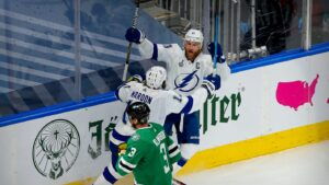 Tampa Bay Lightning star Steven Stamkos scores early in Game 3 return against Dallas Stars
