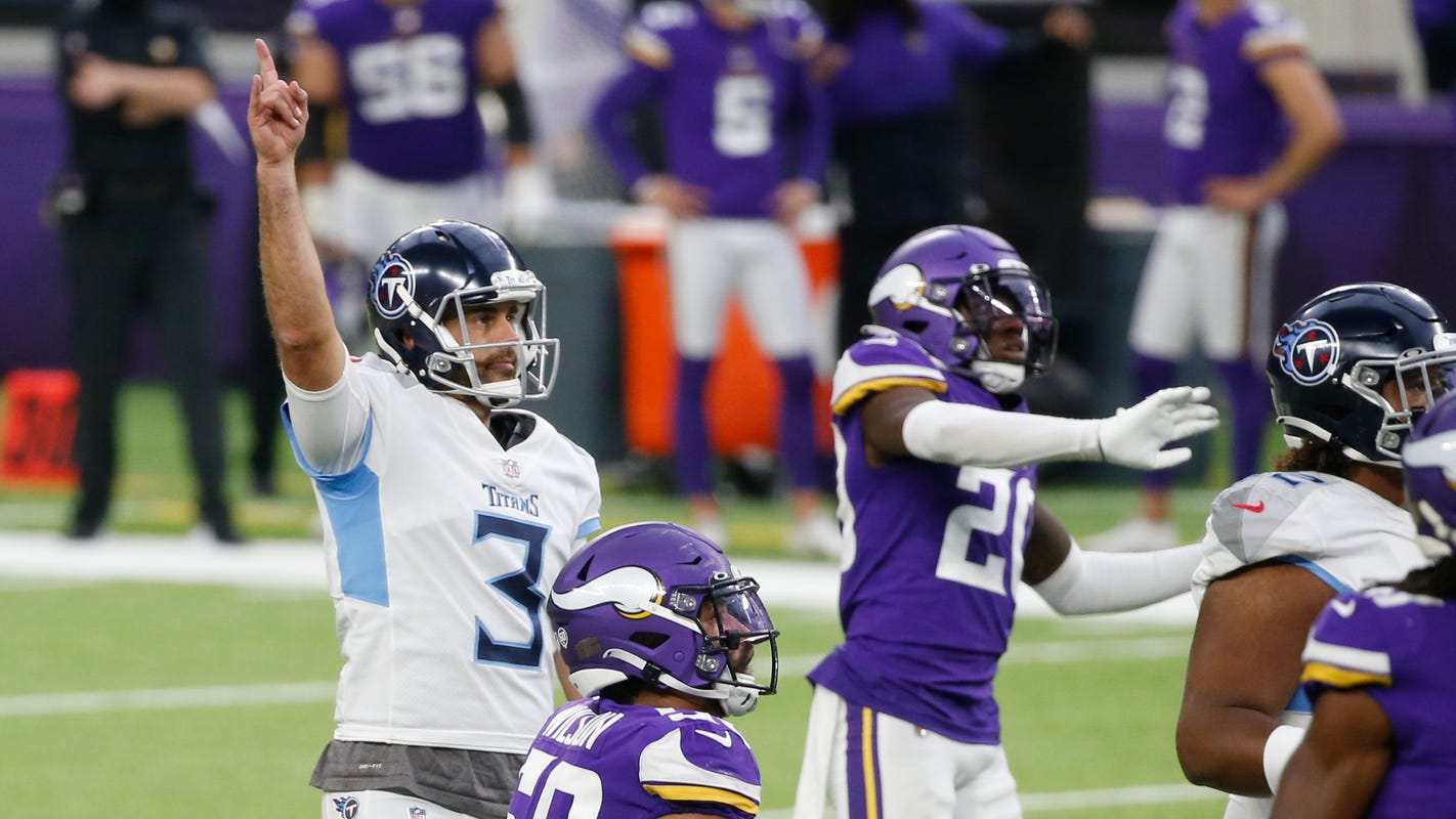 Tennessee Titans saved by another late Stephen Gostkowski field goal.