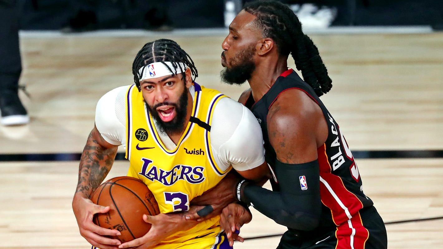 Anthony Davis dazzles in NBA Finals debut as Lakers top Heat in Game 1