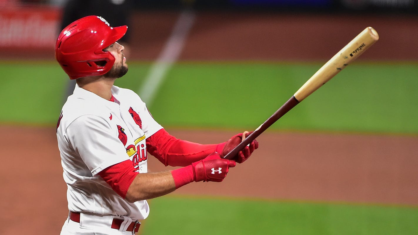 Dylan Carlson, Yadier Molina send message, Cardinals on cusp of NLDS