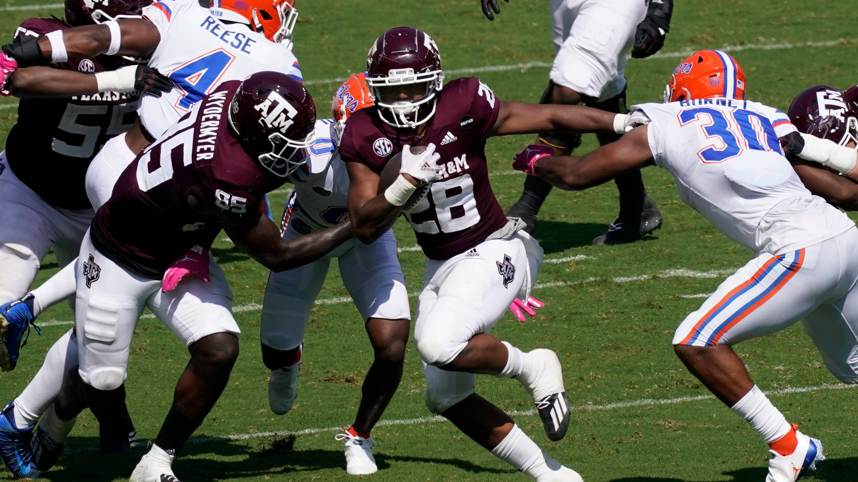 No. 20 Texas A&M upsets No. 3 Florida with last-second FG in SEC thriller