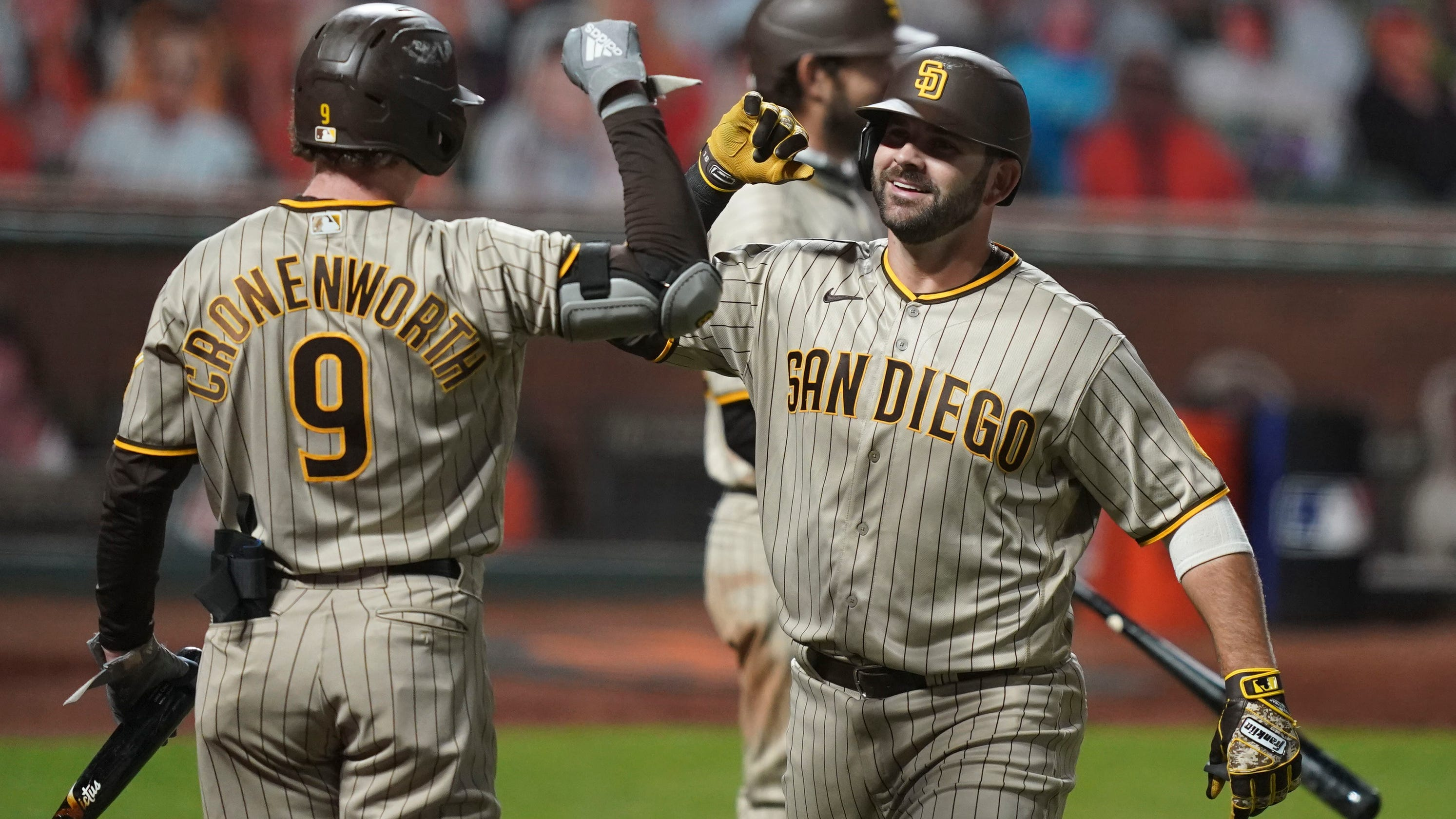 Padres bear burden of beating back San Diego's sad sports history
