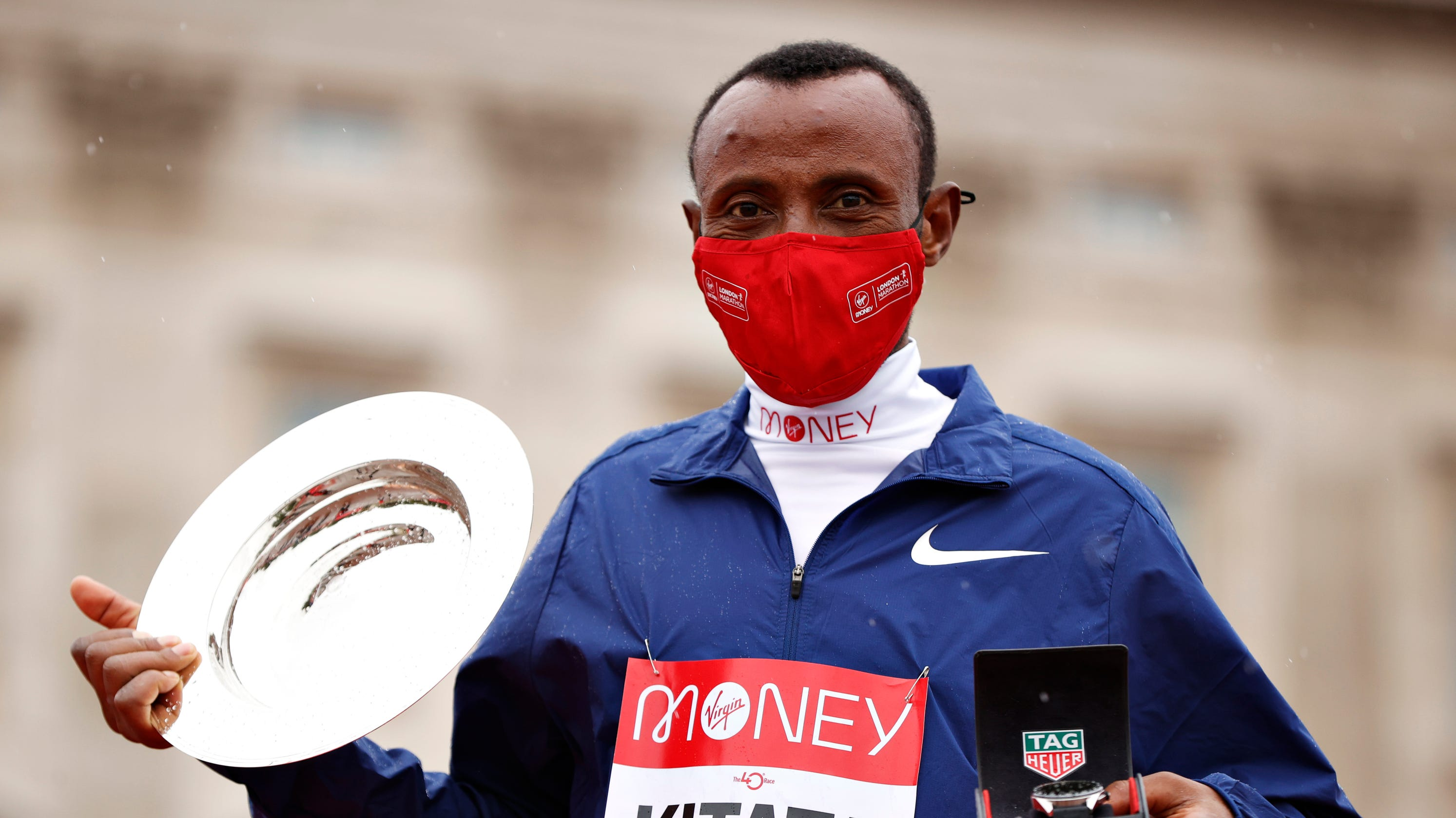 Shura Kitata upsets Eliud Kipchoge to win London Marathon, USA's Sara Hall finishes second in women's race
