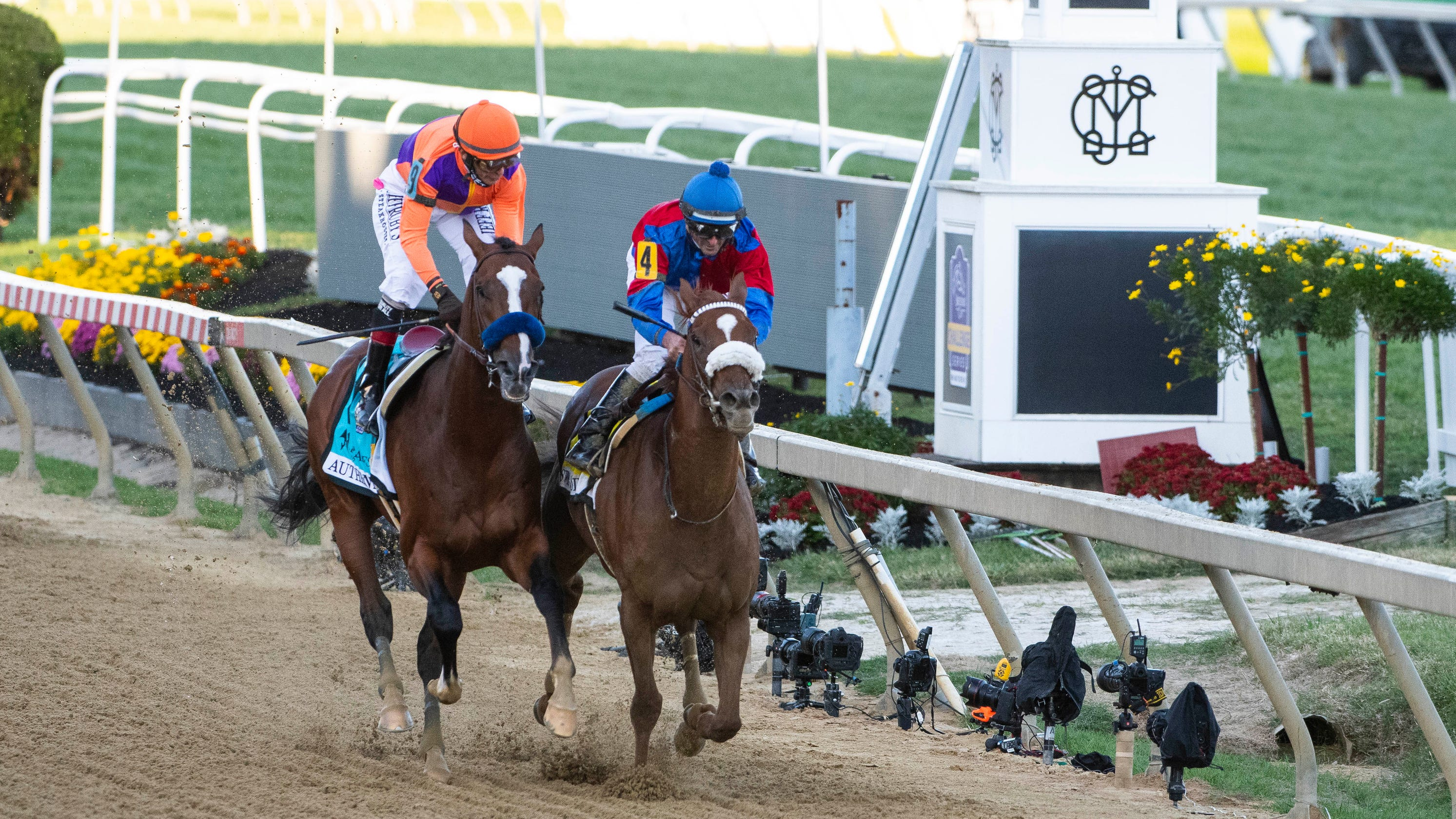 Swiss Skydiver wins Preakness Stakes over Authentic in photo finish